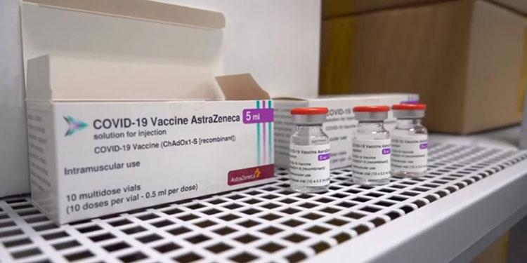 Las vacunas AstraZeneca serán aplicadas como primeras dosis al personal sanitario en todo el país.
