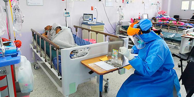 Los pacientes con COVID-19 atendidos en los hospitales capitalinos provienen de distintos departamentos del país.