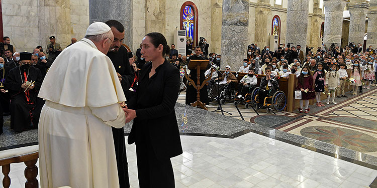 El Vaticano publicó una nota aclaratoria para recordar que la Iglesia católica no puede impartir su bendición a las uniones de personas del mismo sexo.    (LASSERFOTO  AFP)
