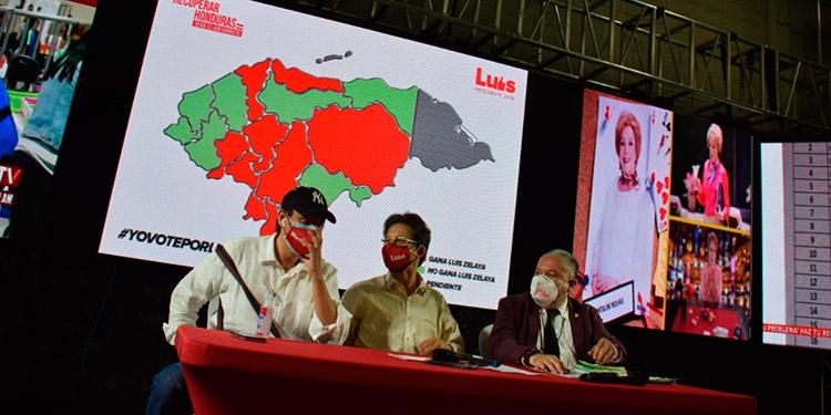 Los dirigentes de Recuperar Honduras en la conferencia de prensa.