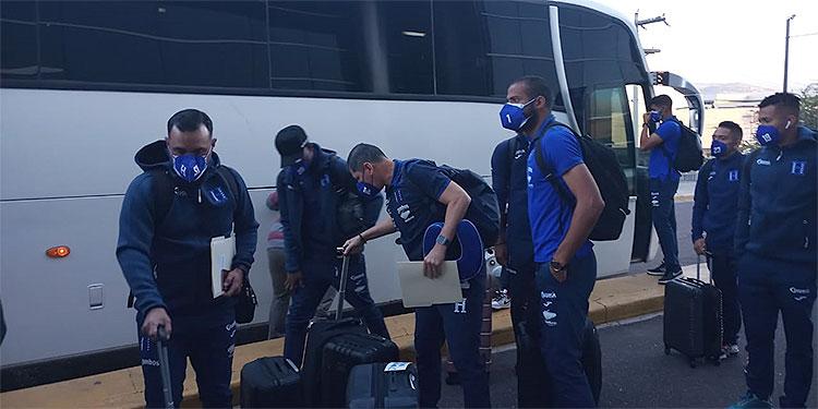 La selección mayor de Honduras retornó tras su gira de  preparación por Europa