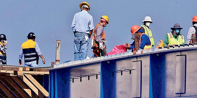 La esperanza de obreros es ajustar los montos salariales en base a la inflación del año precedente, que en el 2020 fue del 4.01%.