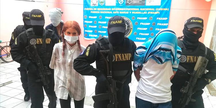 Maryori Paola Aguilera Moncada fue capturada junto a dos compinches menores de edad, acusados por el delito de extorsión.