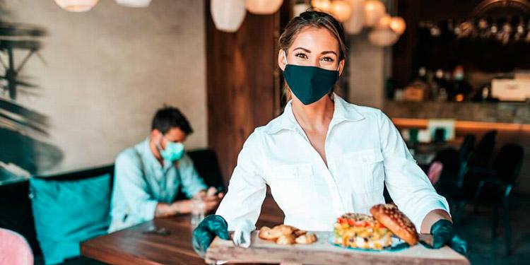 La consigna es quedarse en casa, pero de tomar camino recomiendan a los turistas tomar todas las precauciones que eviten el contagio del coronavirus.