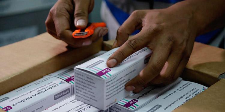El fármaco donado por Covax es de la farmacéutica AstraZeneca, procedente de Corea del Sur.