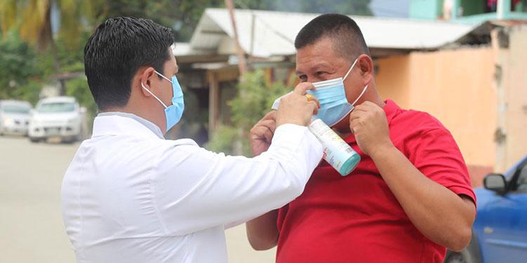 Salud reitera llamado para que la población no baje la guardia ante COVID-19 en Semana Santa.