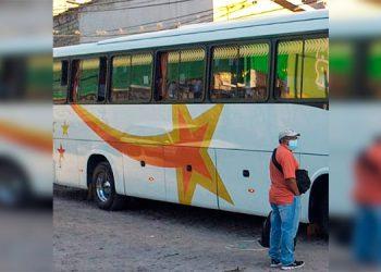 Un cobrador de autobús resulta herido en balacera