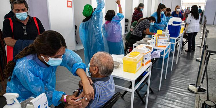 Chile deslumbra al mundo con exitoso proceso de vacunación