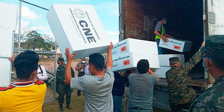 FFAA inician mañana distribución de maletas electorales