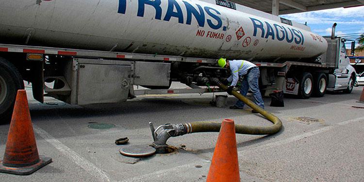 El gobierno empieza recaudando más en impuestos a los combustibles, en contraste los consumidores ya casi pagan 100 lempiras en las gasolinas con los últimos incrementos.
