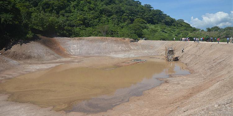250 cosechadoras de agua en el municipio de Choluteca estará construyendo la Secretaría de Miambiente en el municipio de Choluteca.
