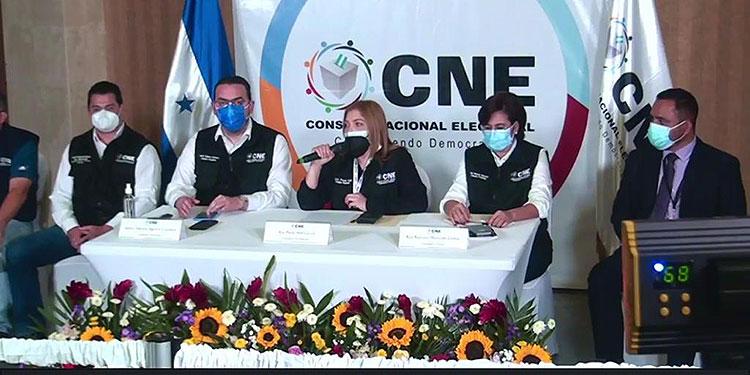 """El pleno del CNE, a través de su presidenta, Ana Paola Hall García, declaró anoche """"misión cumplida"""" la culminación de los comicios primarios del domingo 14 de marzo."""