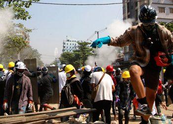 Myanmar: La policía dispara a los manifestantes en Bagan