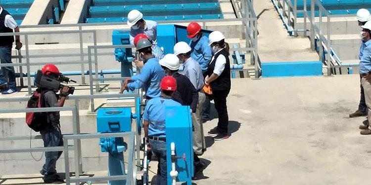 Los representantes de la cooperación japonesa inspeccionaron los proyectos juntos a representantes de medios de comunicación.