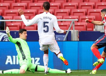 1-1. El Atlético perdona, el Madrid sobrevive
