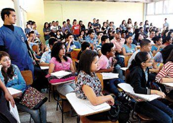 El CES continuará la discusión del regreso a calases presenciales en el nivel universitario del país.