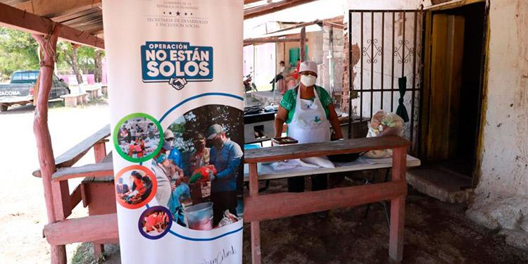 A través del Programa de Emprendimientos Productivos, el gobierno les entregó equipo y capital semilla a los emprendedores de Olanchito.
