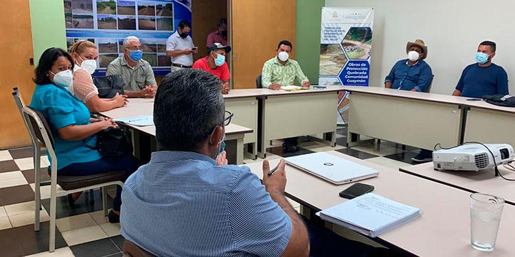 La Comisión para el Control de las Inundaciones en el Valle de Sula (CCIVS) se reunió ayer, con los líderes patronales de Pantano y Bajos de Baracoa.