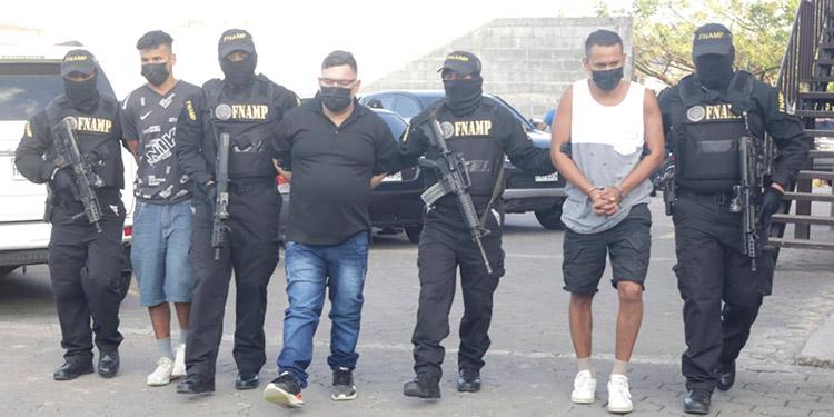 Junto a Emerson Alfredo Valle Lagos, las autoridades capturaron también a Arbin Antonio Martínez Coello y Juan Fernando Martínez Coello.
