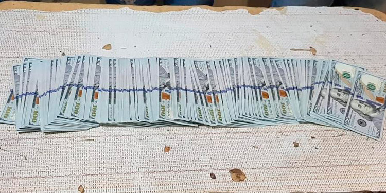 A los tres guatemaltecos les decomisaron 15,200.00 dólares cuya procedencia deberán justificar.