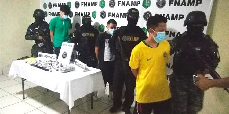 Agentes antipandillas indicaron que los detenidos se dedicaban a distribuir drogas en Comayagüela.