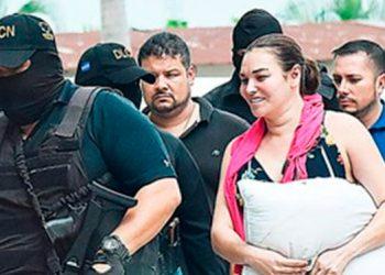 La encausada se encuentra con la medida de prisión preventiva, desde que fue su arresto en junio del 2018 cuando viajaba junto con su esposo.
