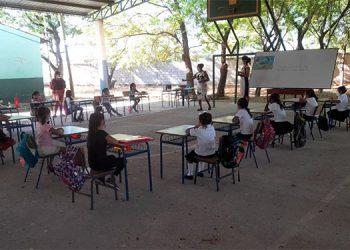 """El Centro Básico """"General Terencio Sierra"""" es uno de los pocos de Honduras que están abiertos."""