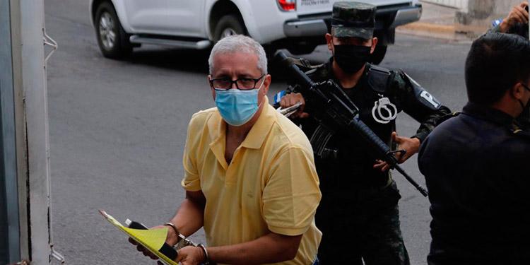 Mario Zelaya Rojas fue trasladado al Tribunal en Materia de Corrupción para escuchar el fallo por el caso de la compra irregular de boletos aéreos.