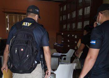 La ATIC ejecutó acciones en la alcaldía de San Sebastián, Lempira, por investigación del delito de malversación de caudales públicos.