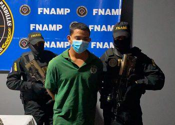 """Javier Enemecio Videz Reyes (19), alias """"La Perra"""", fue capturado con 146 envoltorios de marihuana."""
