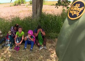 Muchos de los migrantes, especialmente los menores, son «víctimas de explotación infantil, redes de trata de personas, explotación sexual, extorsión y secuestro», señala la OIM.