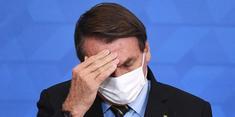 """El Tribunal Supremo de Brasil avaló en sesión plenaria la instalación de una comisión en el Senado para investigar posibles """"omisiones"""" del presidente, Jair Bolsonaro, en su gestión de la pandemia de COVID-19. (LASSERFOTO AFP)"""