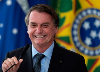 Bolsonaro dice que «solo Dios» lo saca de la Presidencia