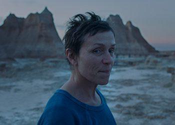 """La actriz estadounidense Frances McDormand, durante una escena de la película """"Nomaland"""". (LASSERFOTO EFE)"""