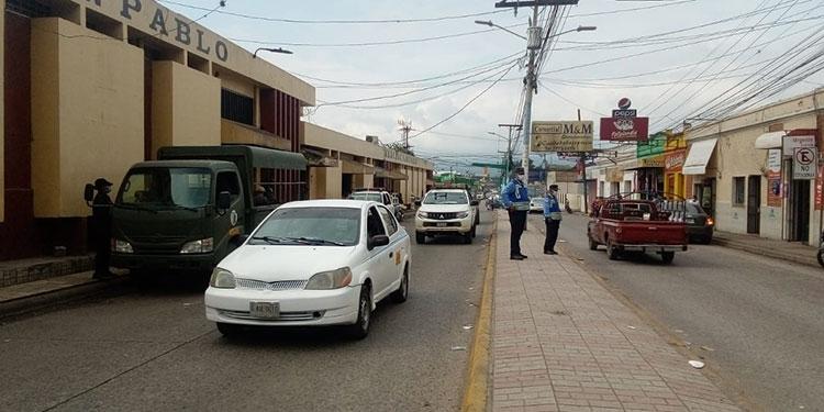 La vía de acceso y salida de la ciudad de Siguatepeque, Comayagua, fue despejada en su totalidad.