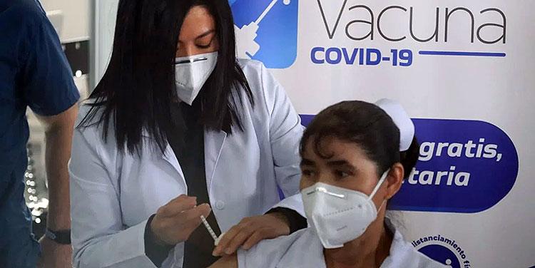 De concretarse la negociaciones, los hondureños tendrían acceso a las vacunas AstraZeneca, por medio del mecanismo COVAX.