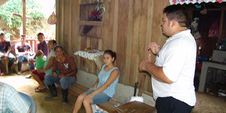 La primera conferencia del programa de fortalecimiento, fue sobre las cajas rurales en Honduras.