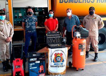 Entregan donativo a Cuerpo de Bomberos en Siguatepeque