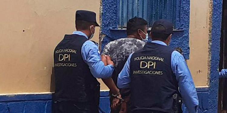 El detenido fue remitido ante los juzgados competentes que ordenaron la captura.