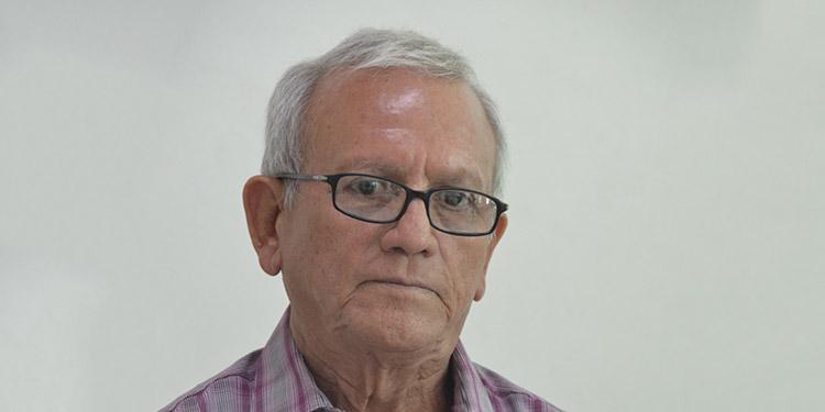 Luis Marcía, docente jubilado.