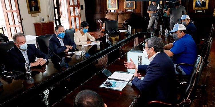 El Presidente Hernández aborda en reunión con el director ejecutivo del PMA, David Beasley, el Plan de Reconstrucción Nacional y el Corredor Seco, entre otros temas.