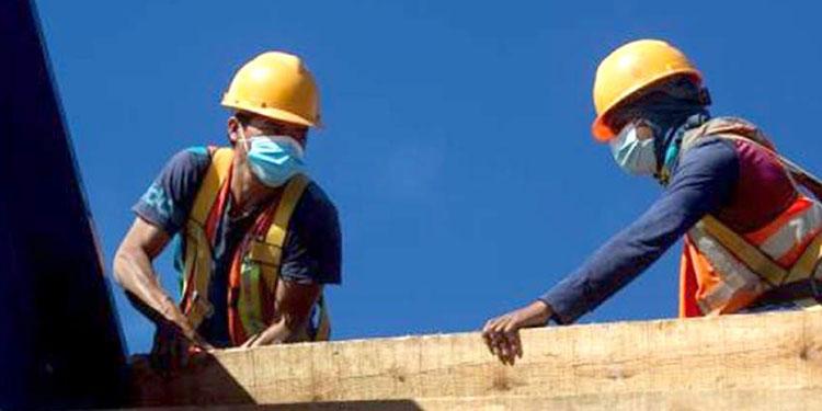 El ajuste abarcaría a más de 450 mil trabajadores, similar a la cifra de empleos perdidos por pandemia que reportan las autoridades del gobierno.