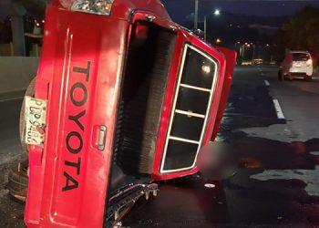 El conductor Joel Antonio Escalante Salinas murió luego que su vehículo dio varias vueltas sobre el pavimento.