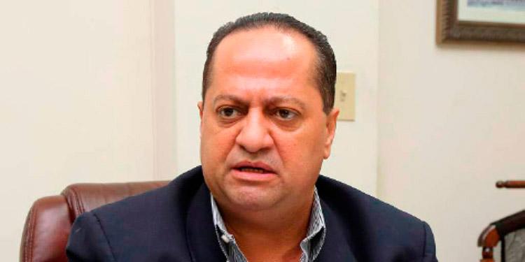 Alejandro Martínez.