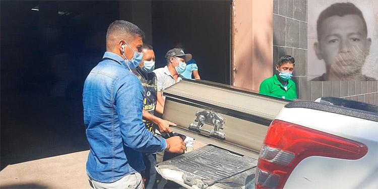 Al predio forense llegaron parientes de Danilo Cruz Peralta (foto inserta), para reclamar su cadáver y trasladarlo a su lugar de origen para darle cristiana sepultura.