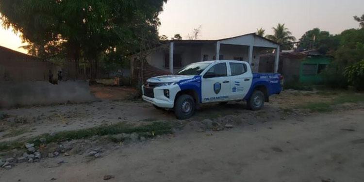 Equipos de investigación de la Policía Nacional ayer realizaban las pesquisas sobre los dos crímenes.