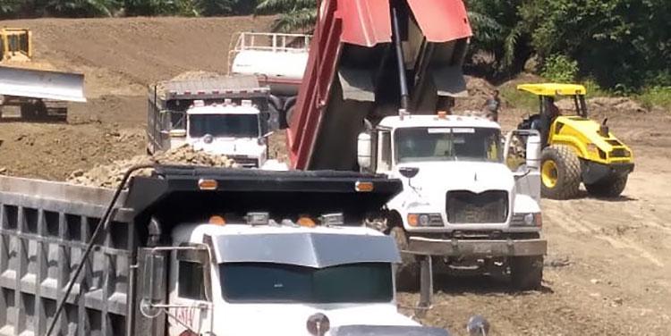 Los pobladores recorrieron las obras de rehabilitación de bordos dañados por las tormentas Eta y Iota.