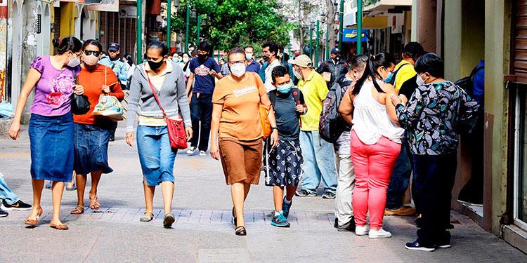 Las menores diferencias se presentan en El Salvador con un 9.3 por ciento, Honduras (9.3%) y en Panamá (9.8%), aunque en los tres países la brecha tendió a ampliarse entre 2010 y 2019.
