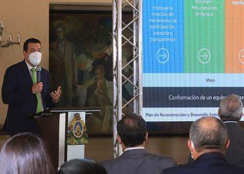 El secretario coordinador general de gobierno, Carlos Madero, presentó el Plan de Reconstrucción Nacional a la comunidad internacional.
