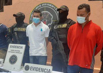 Se informó que los detenidos amenazaban de muerte a transportistas, dueños de pequeños comercios, conductores de carros repartidores y vendedores ambulantes de diferentes zonas.